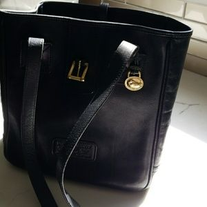 All leather Dooney&Bourke bag with a suede inside